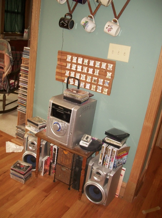 messy unorganized stereo unit