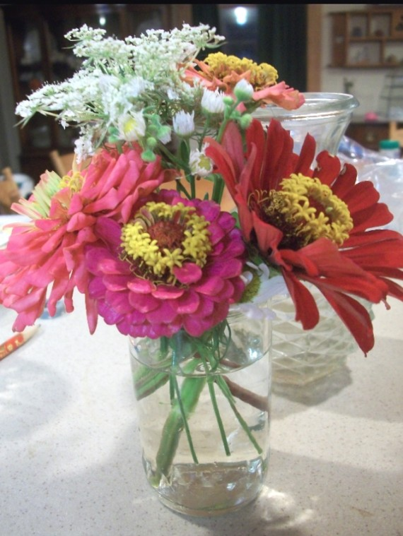 zinnia bouquet - Apron Strings & other things