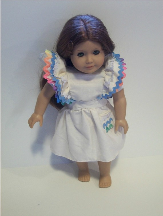 Doll pinafore   Apron Strings & other things