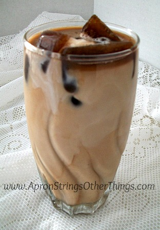 How to Make Iced Coffee 1 - Apron Strings & other things