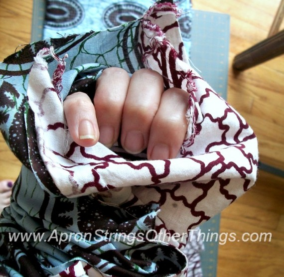 Easy to Sew Two-Sided Scarf turning fabric - Apron Strings other things