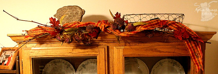 Grapevine Garland #Falling forAutumn at ApronSTringsOtherThings.com