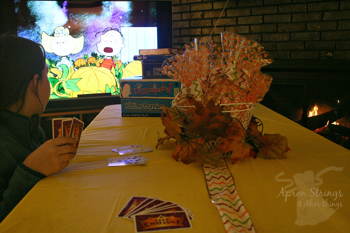 game night movie night suprise treats for halloween dollar tree at ApronStringsOtherthings.com #dollartreeholiday